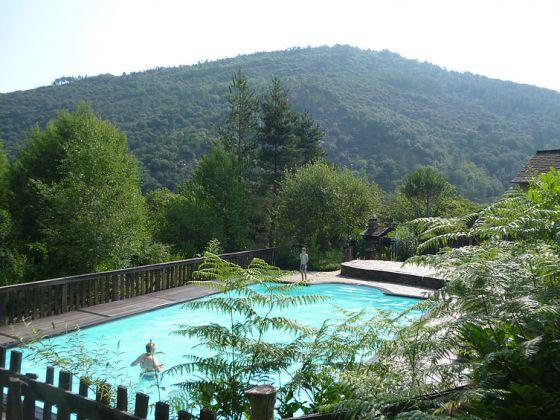 La garde g tes et camping en c vennes saint germain de for Camping lozere piscine