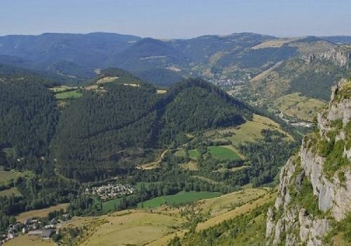 Kamperen Aan De Voet Van De Mont Aigoual