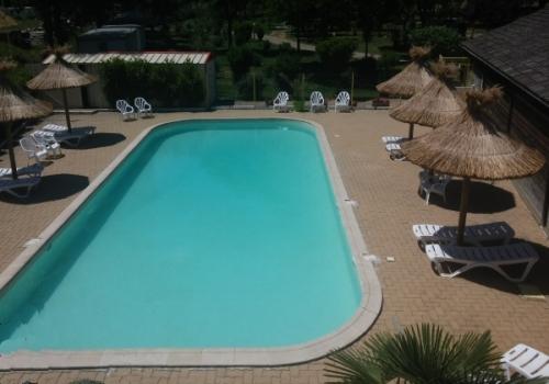 Camping 3 toiles mende loz re camping le tivoli for Camping lozere piscine